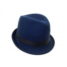 Синяя шляпа Трилби с узкими полями