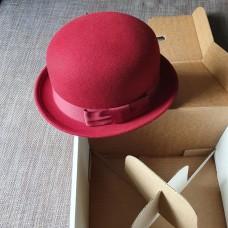 Шляпа котелок красный