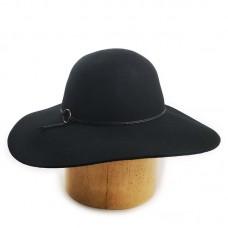 Фетровая шляпка с большими полями черная